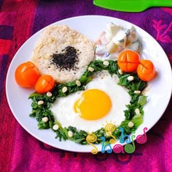 تزیین ساده نیمرو برای صبحانه