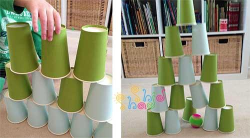 بازی-کودکان با لیوان کاغذی